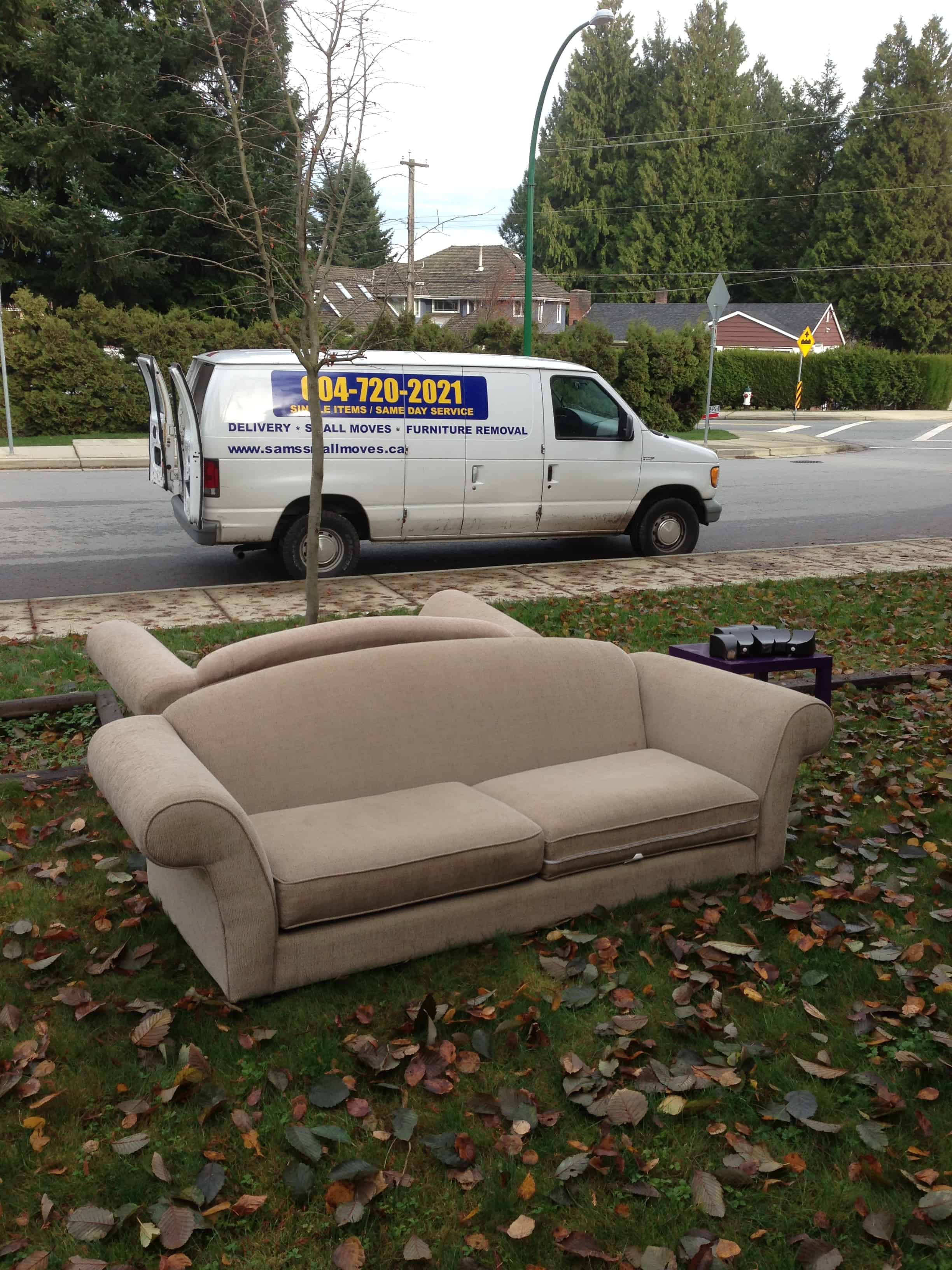 Affordable cheap junk removal services in vancouver for Affordable furniture vancouver