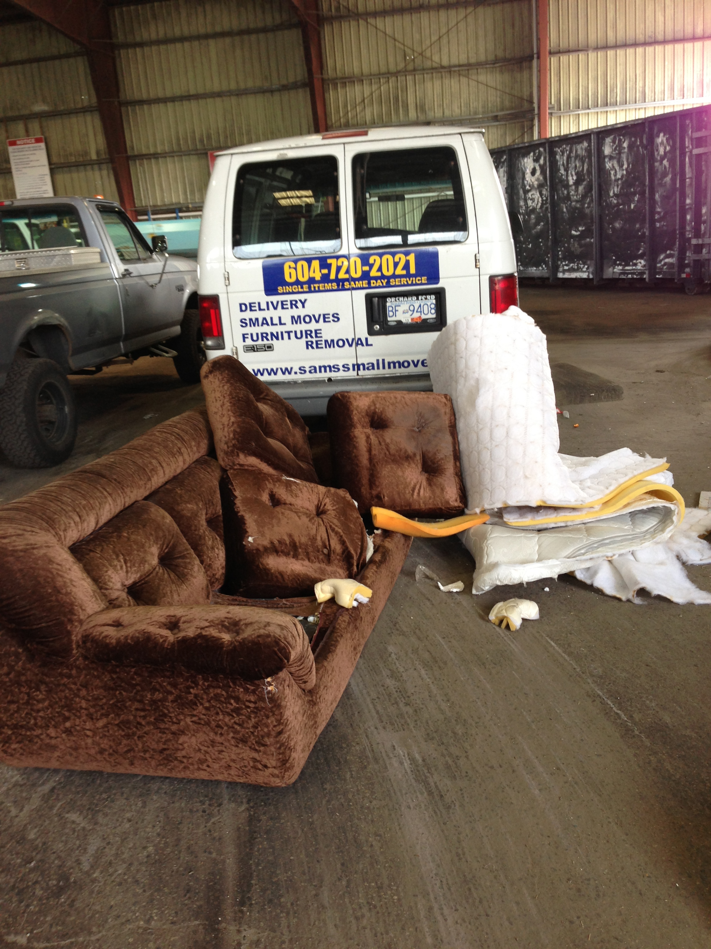 Sofa Removal Vancouver Sam S Junk Removal Ltd