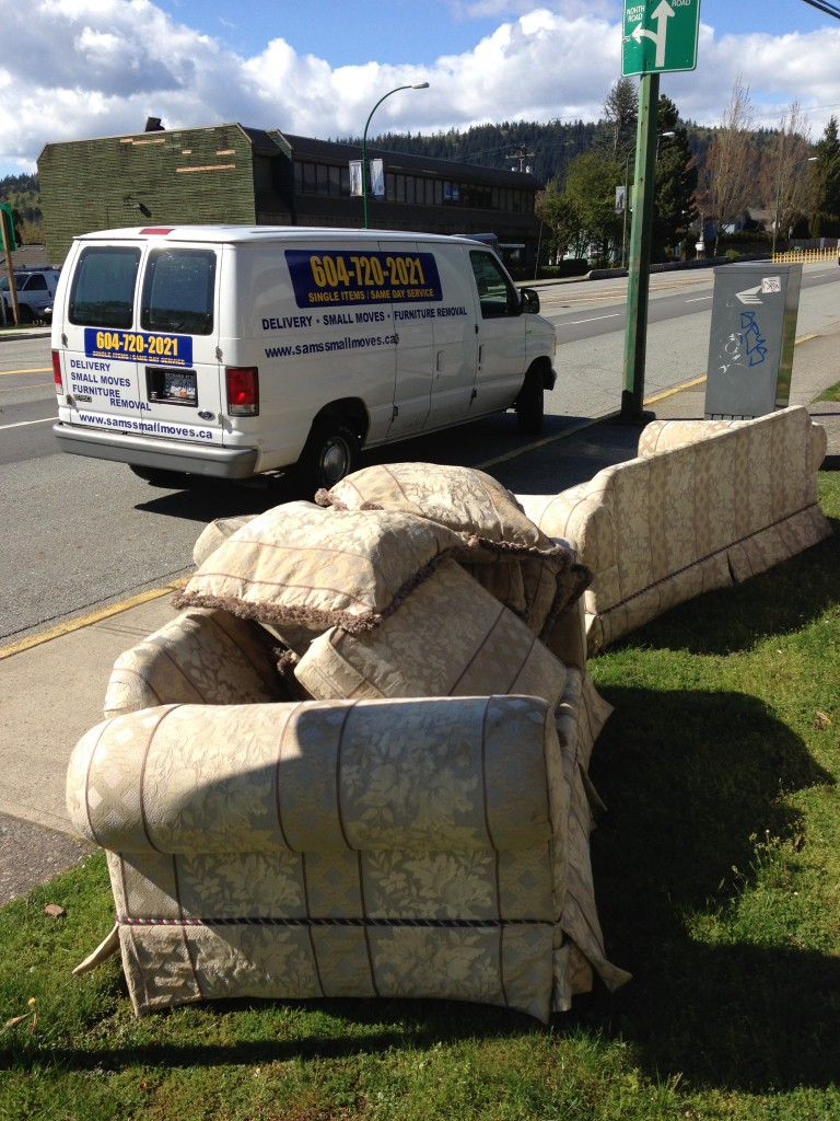 Furniture disposal vancouver sam 39 s junk removal ltd for Furniture removal