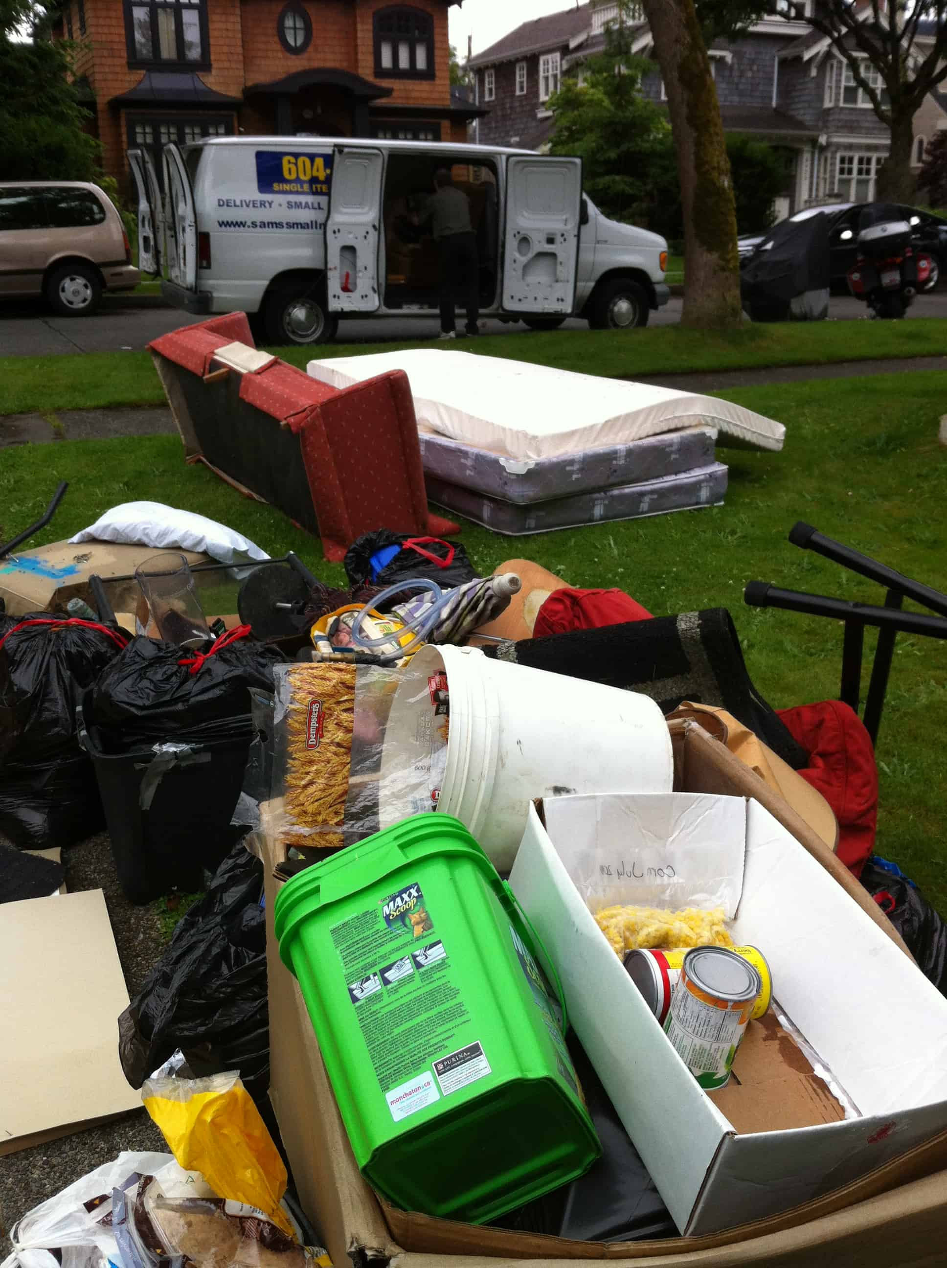 Clutter - Boxes of Miscellaneous Household Junk Removal