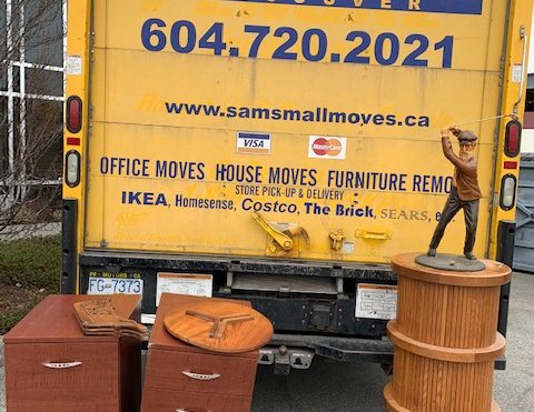 Furniture Removal in Strathcona is fast & easy! Sam's JUNK removes your used sofas, chairs, desks, & more as soon as today!